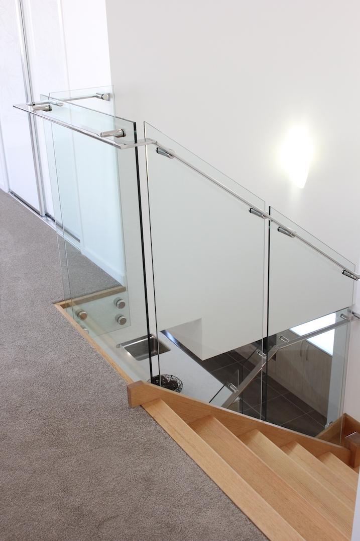 custom_stainless_handrail