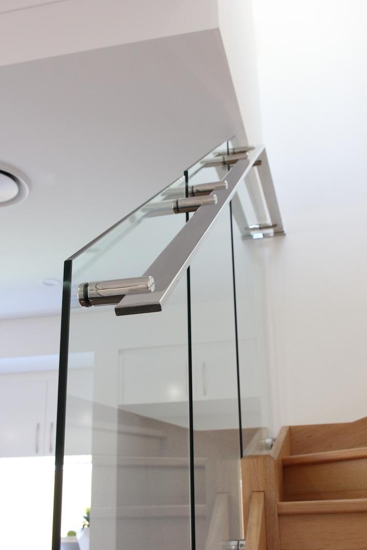 custom_stainless_steel_handrail