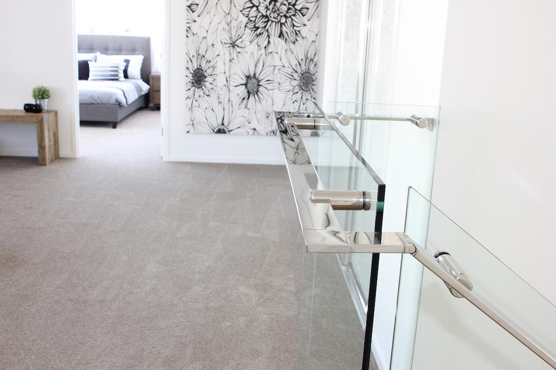 frameless_glass_staircase